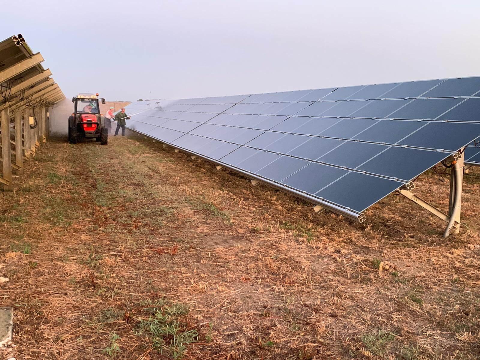 Pulizia pannelli solari 3