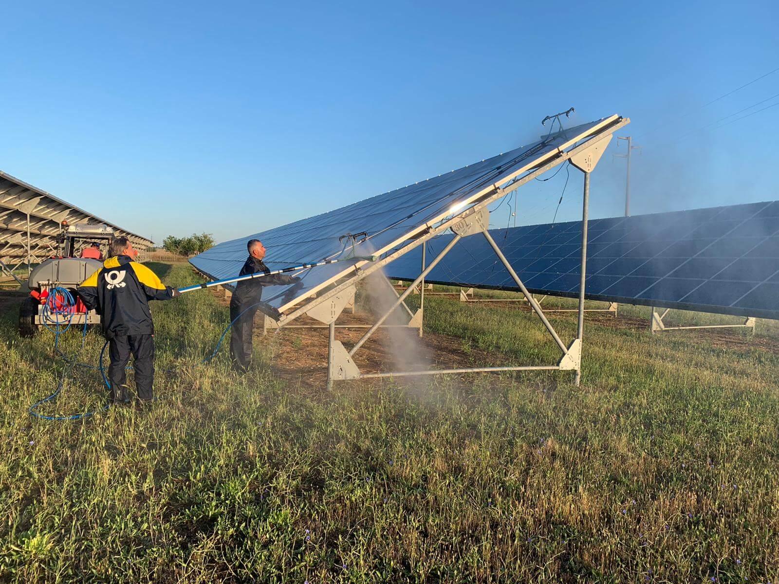 Pulizia pannelli solari 4