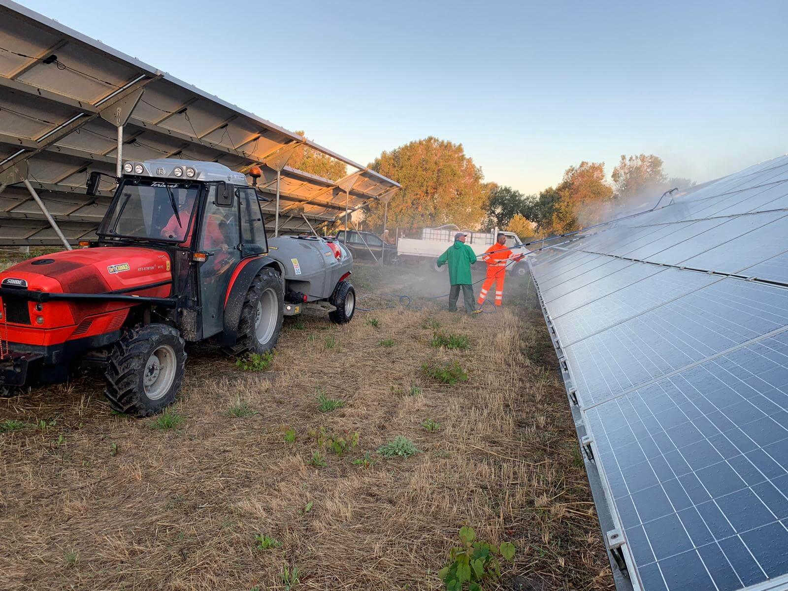 Pulizia pannelli solari 13