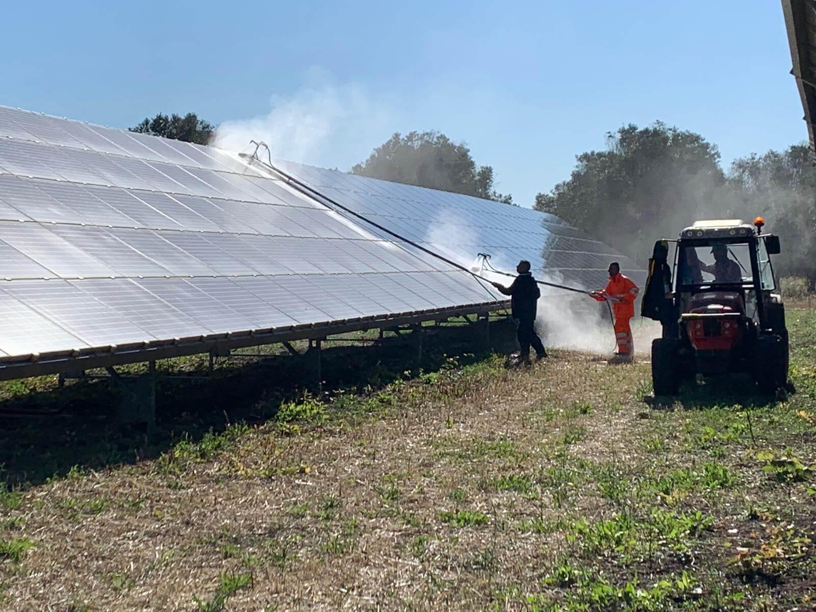Pulizia pannelli solari 7
