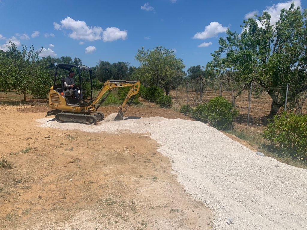 escavatore impianti fotovoltaici 2